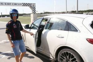 Sebastian Vettel (Red Bull Racing) are propria ediţie specială a SUV-ului Infiniti FX50S