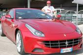 Fernando Alonso (Ferrari) se poate lăuda, în sfârşit, cu noul Ferrari FF – V12 de 660 CP şi tracţiune 4×4