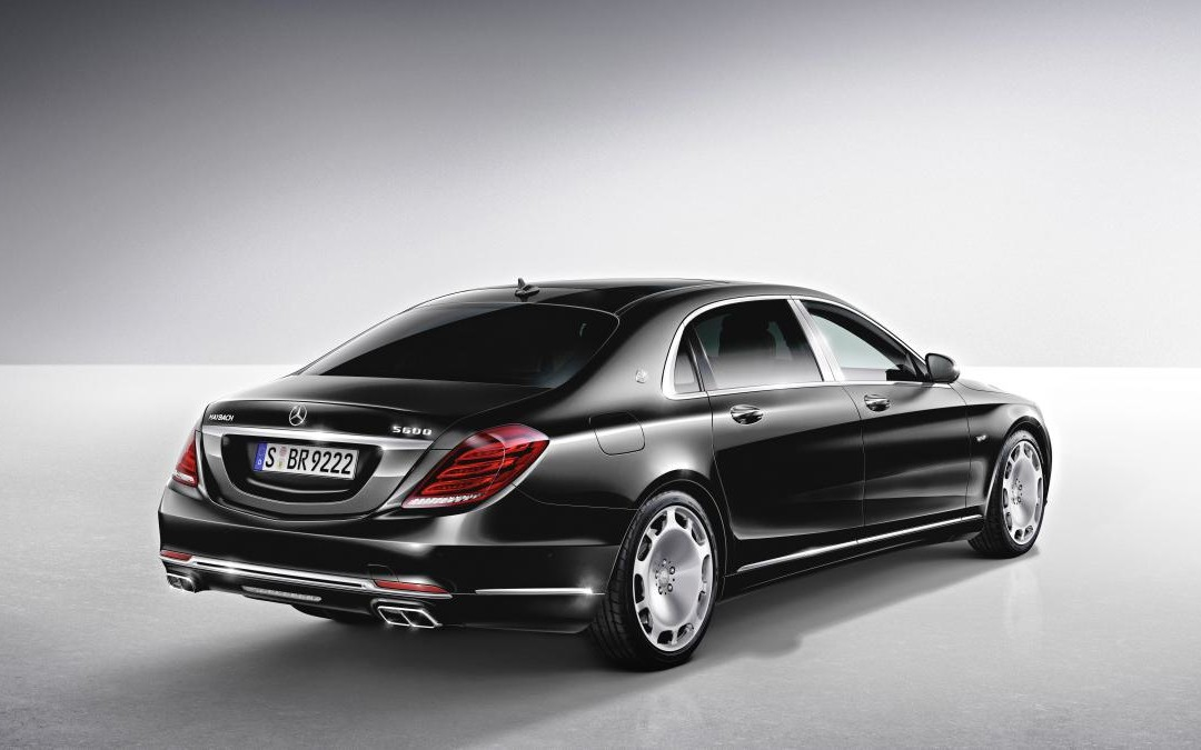 Mercedes readuce in prim plan Maybach-ul